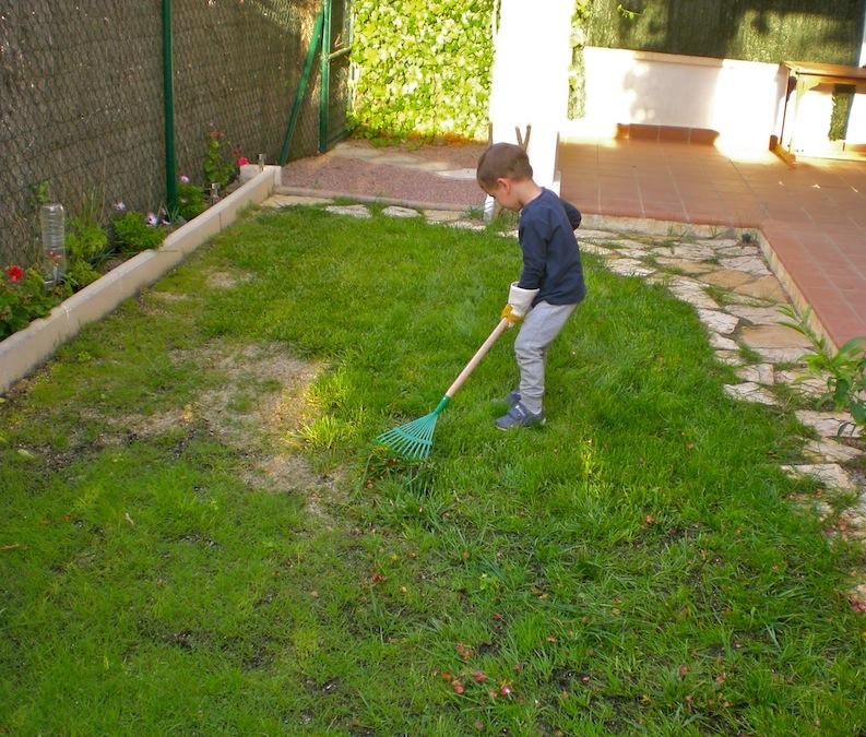 Tareas de jardiner a gardening works montessori en casa - Jardineria en casa ...