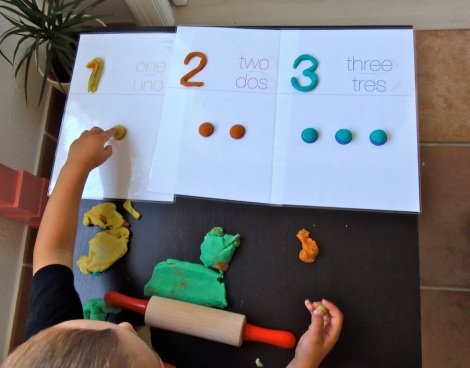 Montessori en Casa: Números con plastilina - Numbers with playdough